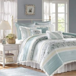 Madison Park Dawn 9pc Cal king Comforter Set.